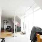 Essbereich mit Blick auf Wohnzimmer