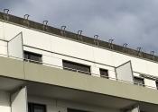 Immobilie Neumünster - Helle, 2 Zimmer Wohnung - Endetage,Aufzug,Garage - sanierungsbedürftig