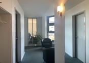 Immobilie Barmstedt - Bürofläche in modernem Wohn -und Geschäftshaus in zentraler Lage zu vermieten