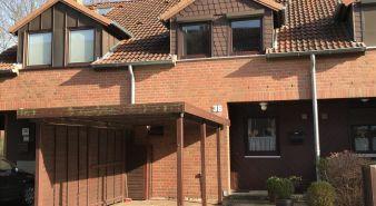 Immobilie Norderstedt / Garstedt - Bestlage! - Reihenmittelhaus über 4 Ebenen, zentral in Norderstedt-Mitte gelegen
