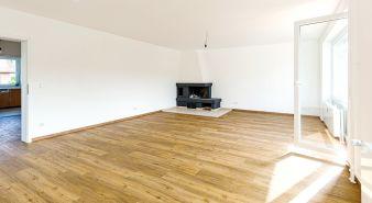 Immobilie Quickborn-Heide - OHNE KÄUFERPROVISION - Top sanierte, große 148m² Maisonette-Wohnung mit Balkon in Quickborn Heide
