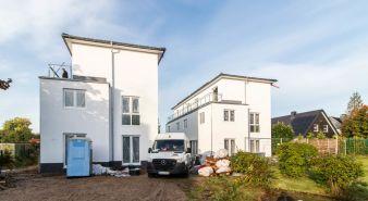 Immobilie Kaltenkirchen - Neubau von großzügiger Wohnung im Doppelhauscharakter mit Terrasse und Dachterrasse in Kaltenkirchen
