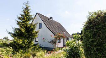 Immobilie Moorrege - Hier steckt Potenzial! Siedlungshaus in Sackgassenlage in guter Wohngegend von Moorrege zu verkaufen