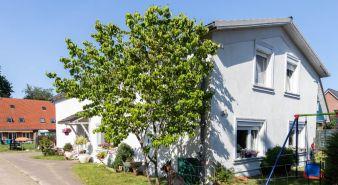 Immobilie Elmshorn - Elmshorn-Süd! Besonders großzügiges Einfamilienhaus  zu vermieten