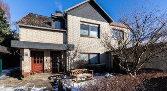 Immobilie Pinneberg - Pinneberg! Maisonette-Wohnung mit Gartenanteil in ruhiger Wohngegend zu verkaufen