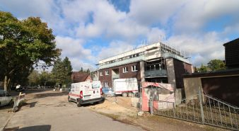 Immobilie Norderstedt - Neubau! Modern! Zentral 3 Zimmer-Staffelgeschoss- Wohnung mit TG-Platz  in Norderstedt  zu vermieten