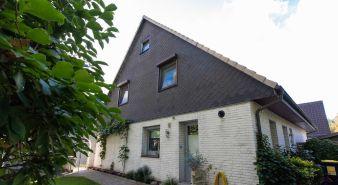 Immobilie Elmshorn - Attraktive Doppelhaushälfte mit liebevoll angelegtem Garten im beliebten Elmshorner Süden