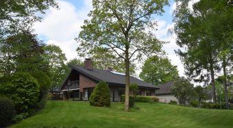 Immobilie Itzehoe - Großes Einfamilienhaus mit tollem Garten und eigenem Waldbiotop - gefunden in Itzehoe!