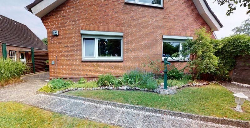 Immobilie Moorrege - Einfamilienhaus und massives Wirtschaftsgebäude in ruhiger Wohnlage auf 1000 m² großem Grundstück